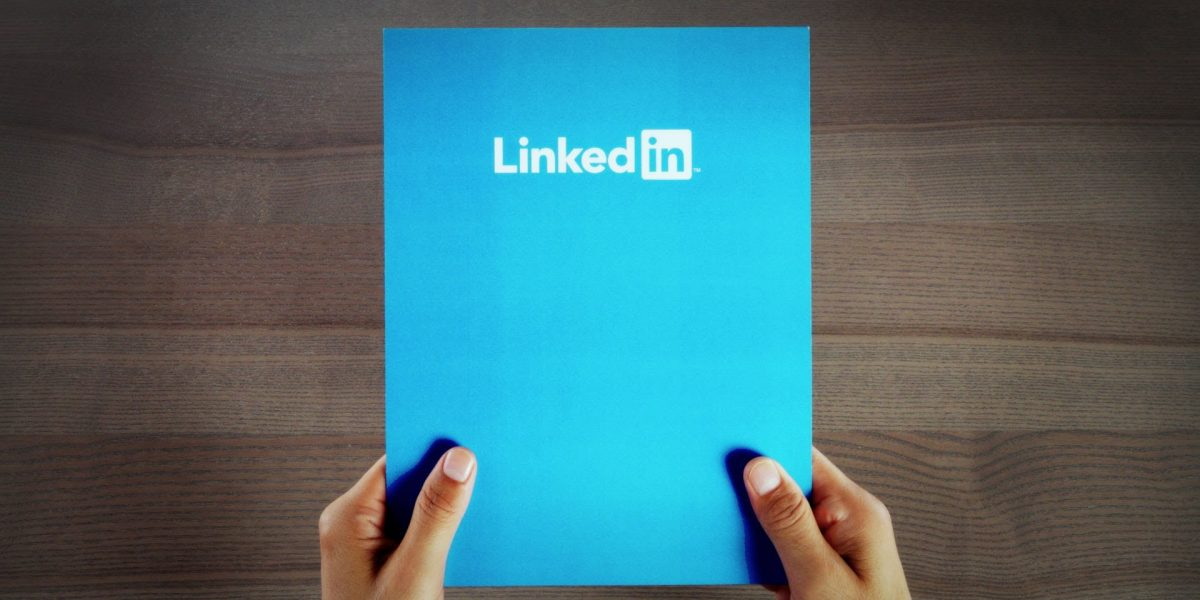10 ways to optimize your LinkedIn profile